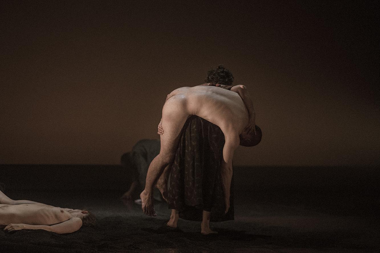 La Phármaco Luz Arcas Compañía de Danza Contemporánea Una gran emoción política