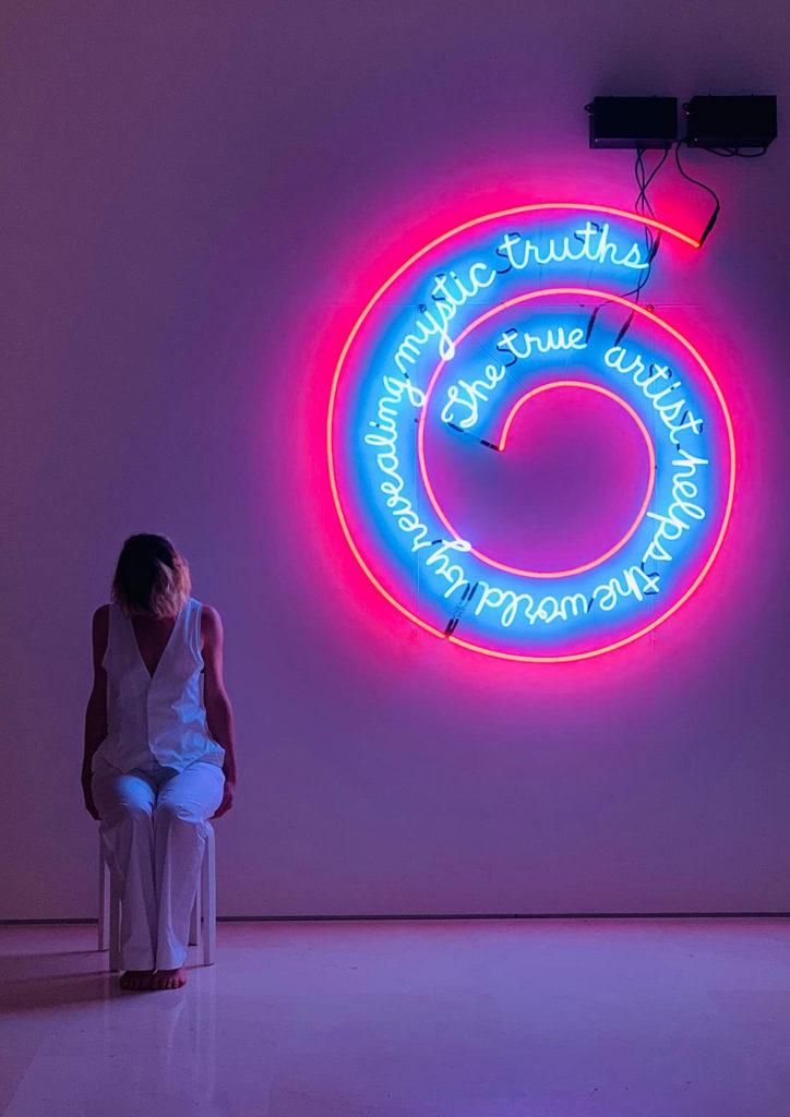 La Phármaco Luz Arcas Compañía de Danza Contemporánea Habitación con mi alma fuera