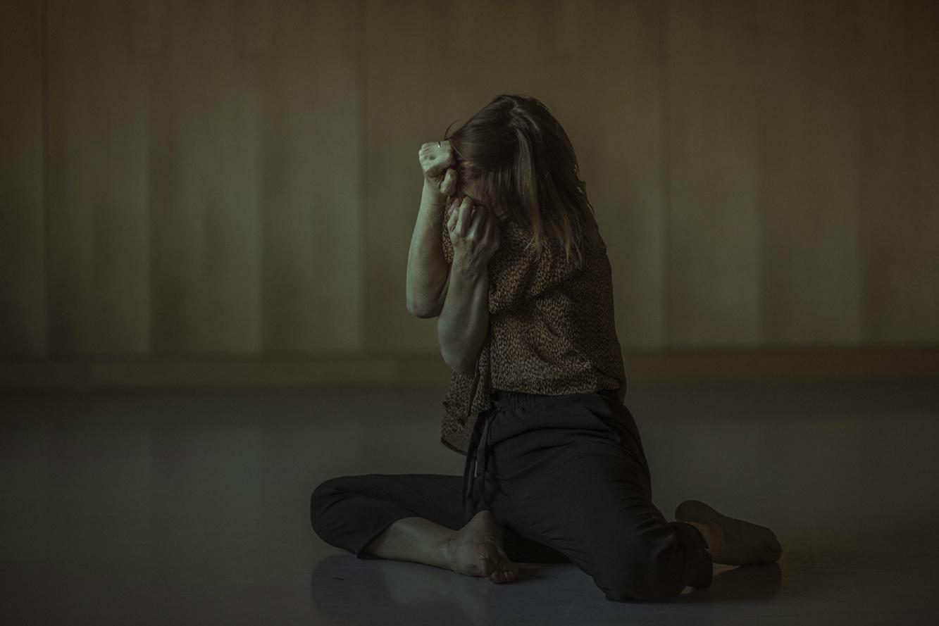 La Phármaco Luz Arcas Compañía de Danza Contemporánea Cuerpo de luz